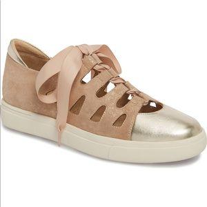 Vaneli Sneakers